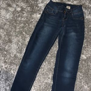 Cute stretchy jeans